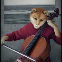 Playing Cello <br /> 87x61 cm <br /> Digital C-p... <br /> 成 果 <br /> 2004 <br />
